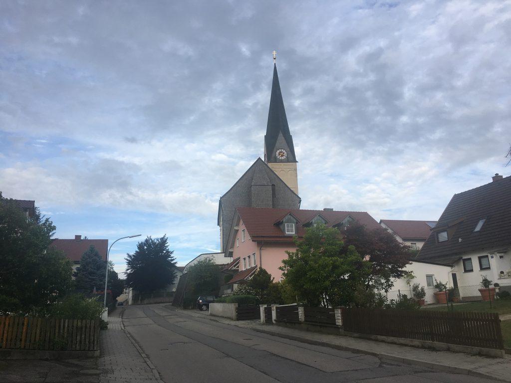 Das Dorf Oberding, in der Nähe zum Flughafen München